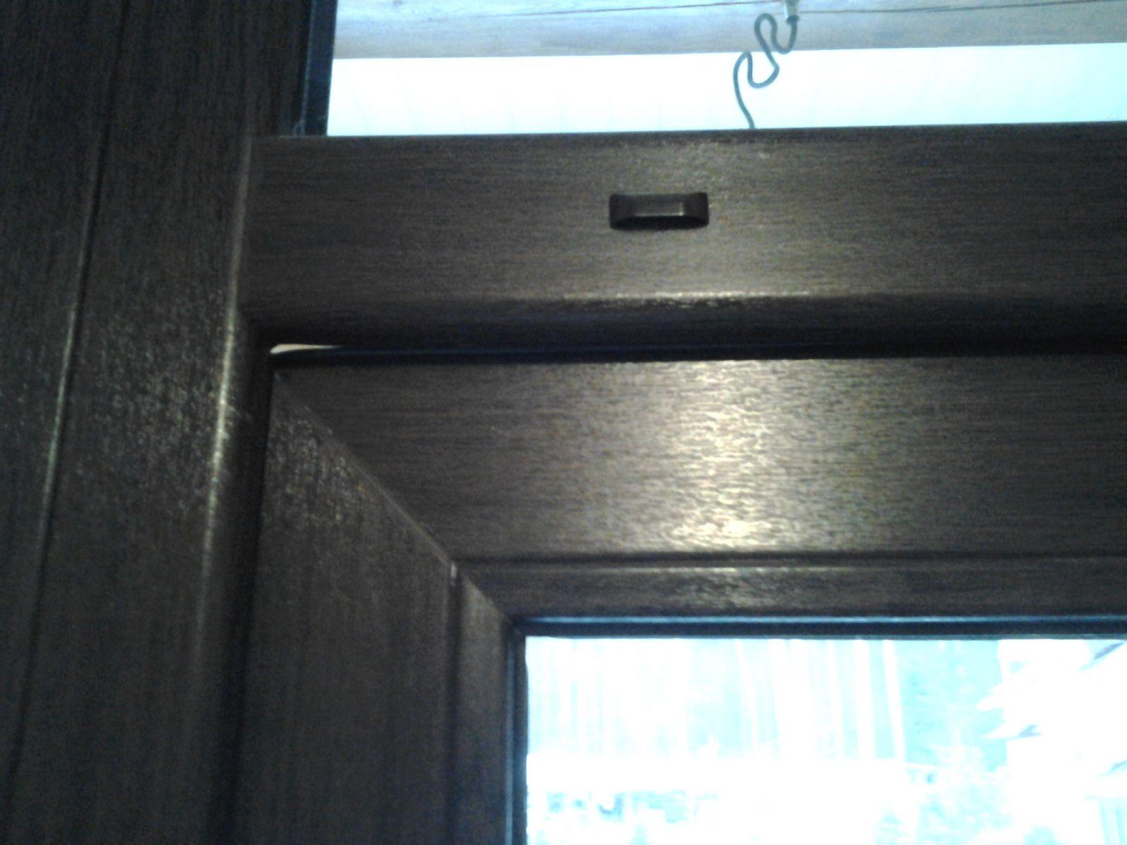 Как отрегулировать балконную дверь стеклопакета по провисани.