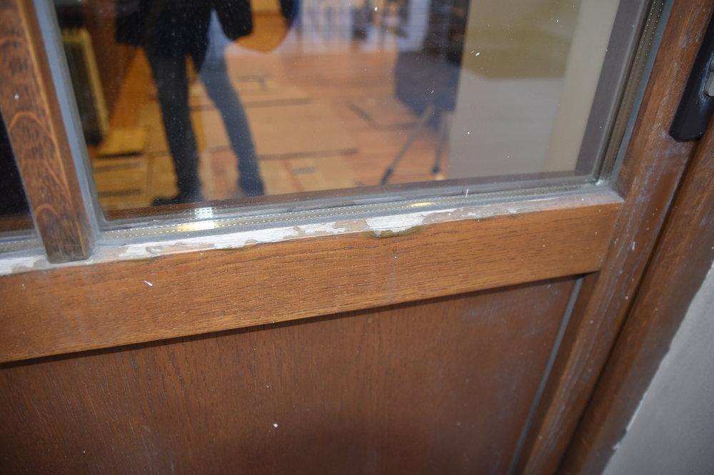 Деревянная_дверь_2009_года_(3).JPG