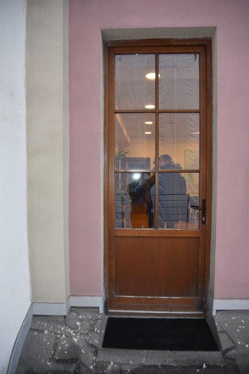 Деревянная_дверь_2009_года_(2).JPG